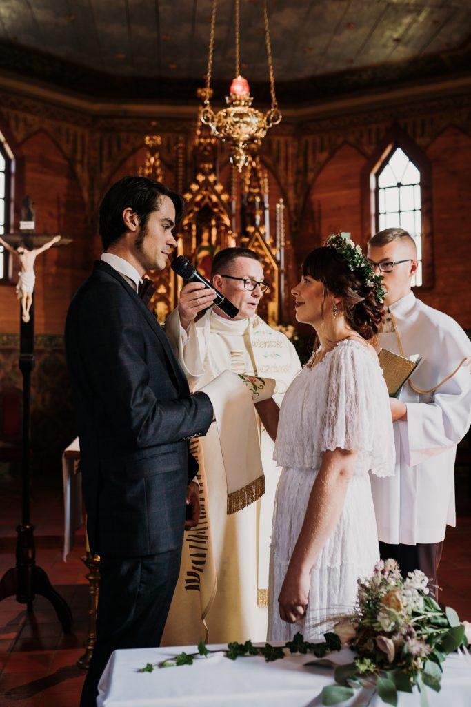 ślub w brzeźnieńskim młynie